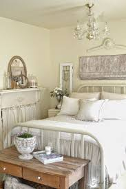 French Country Bedroom Decorating Ideas And Photos - French design bedrooms