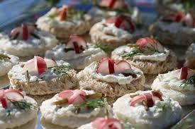 salicorne cuisine canapés aux radis et aux rameaux de salicorne cuisine guylaine