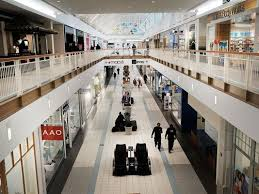best deals on black friday outlets or mall labor day weekend sales where and how to find the best deals