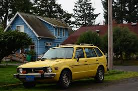 old parked cars 1976 honda civic cvcc wagon cars i love