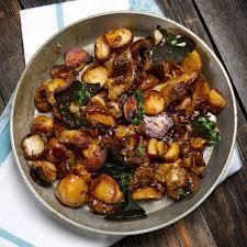 cuisiner des cepes frais poêlée de cèpes frais à l échalote ou à l ail et au persil recette
