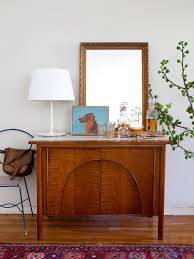 simple ideas decorating with mirrors on nice brown wood table