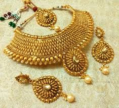 gold choker necklace set images Buy royal gold plated bridal choker necklace set with maang tikka jpg