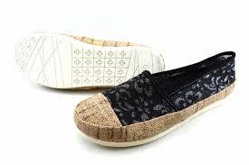 Jual Sepatu Wakai harga sepatu wakai yess