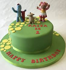 children s birthday cakes awesome in the garden cake children s birthday cakes