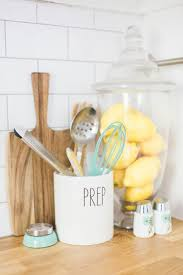 Kitchen Accessory Ideas by Best 25 Yellow Kitchen Accessories Ideas On Pinterest Yellow