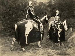vintage halloween costumes that are totally terrifying page 5 of 16