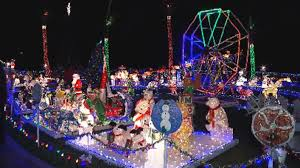 popular christmas display in plantation continues to attract