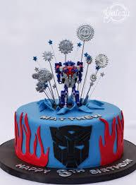 optimus prime cakes gateau designer cakes optimus prime transformers gateau