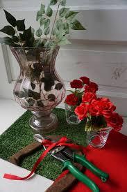 Kentucky Derby Flowers - diy kentucky derby garland of roses dog collar pierogi u0026 co