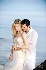 wedding dress rental bali www villabuddha bali wedding huwelijk moniquekruyssen zonnet