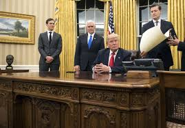 Oval Office White House Washington New White House Look Trump Gives The Oval Office A
