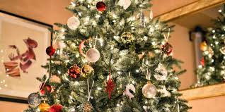 themed christmas travel themed christmas tree ideas sun