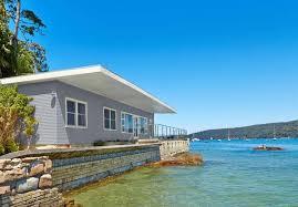 Wollongong Beach House - northern beaches waterfront accommodation stayz