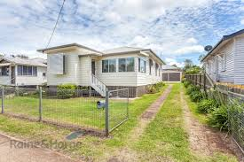 29 dunmore street east toowoomba qld 4350 house for rent