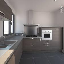 cuisine alu et bois petite cuisine aménagée décor bois noyer fumé implantation en l