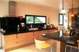 cuisine bois plan de travail noir charmant hotte de cuisine conforama 2 decoration cuisine bois