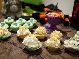 spooktacular halloween ideas room on the broom mummy makes cakes