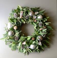 christmas wreaths ideas to make in your home inspirationseek com