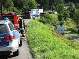 Feuerwehr Bad Wildbad Nach Einem Frontalzusammenstoß Wurde Ein Schwerverletzter In Die