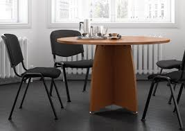 table ronde bureau table ronde pied croix tables rondes mobilier conference