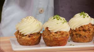 food network thanksgiving thanksgiving in a cupcake duff u0027s sweet spot food network youtube