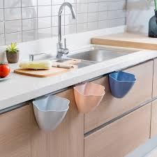 rangement poubelle cuisine cabinet porte pendaison poubelles comptoirs de cuisine boîte de
