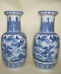 Chinese Vases Uk Chinese Qing Dynasty Pair Of Large Blue U0026 White Rouleau Vases