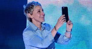 Hawaii Chair Ellen Ellen Degeneres Snapchats With Kids Choice Awards 2016 Audience