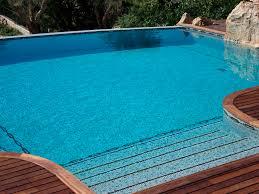 piscine en verre mosaïque d u0027intérieur de piscine au sol en verre la riviera
