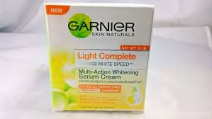 Serum Vitamin C Garnier garnier light white speed skin whitening day serum