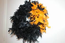 Halloween Wreath Tutorial by Diy Crow Feathered Boa Halloween Wreath Tutorial With