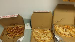ordered from domino s every single pizza showed up like this pics