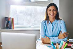 femme de bureau femme derrière l accueil de bureau image stock image du bonheur