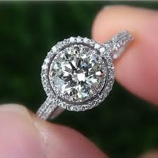 engagement rings round images Circle engagement ring with halo best 25 halo engagement rings jpg