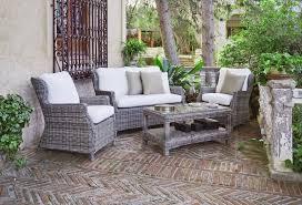 canapé résine tressée salon de jardin résine tressée meduse canapé 2 fauteuils table basse