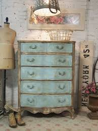 Shabby Chic Furniture Paint Colors by Best 25 Shabby Chic Wardrobe Ideas On Pinterest French Bedroom