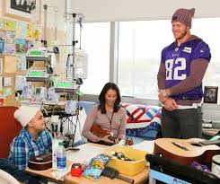 thanksgiving charity rudolph steps into new lead volunteer role with the vikings