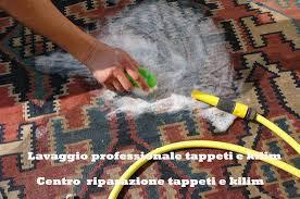 come pulire tappeti persiani lavaggio tappeto persiano a mano