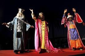 fotos reyes magos cabalgata madrid the cabalgata de reyes one of madrid s biggest parades mad4madrid