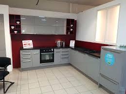 meuble de cuisine a prix discount cuisine a prix usine cuisine laquace grise avec plan de travail noir