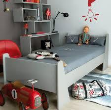 chambre de petit garcon decoration chambre petit garcon maison design bahbe com