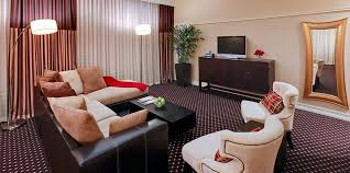1 king bedroom parlor suite rooms hotel blake chicago downtown