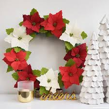 paper poinsettia wreath diy tutorial