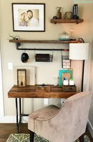 tutorial on how to create an industrial desk from wood and pipe