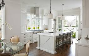 Chandelier In The Kitchen 20 Dapur Elegan Dan Unik Dengan Lampu Chandelier Putih Unique Home