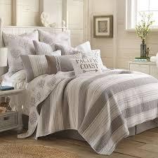 Queen Comforter On King Bed Bedroom Luxury Duvet Covers King Queen At Neiman Marcus For