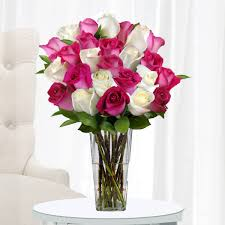 Vase With Roses Premium Pink And White Roses 24 Stems With Vase The Ultimate Rose