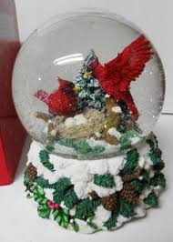cardinals in christmas tree musical water globe 46721 new