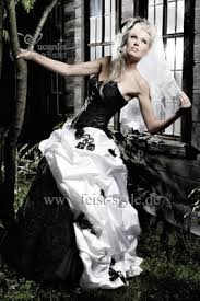 brautkleider schwarz wei extravagante brautmode schwarze brautkleider schwarz weiße und